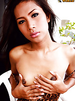 Beautiful natural ladyboy!